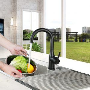 Der Wasserdurchfluss des Wasserhahns wird kleiner. Es wird empfohlen, den Wasserhahnfilter regelmäßig zu reinigen